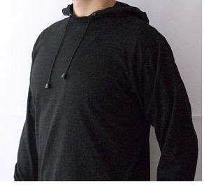 buso con capota color negro, tallas: s m l xl  rollmarket