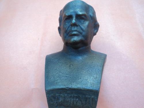 busto de bronce de sarmiento