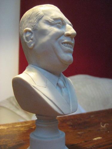 busto de juan domingo perón, peronista, evita, duarte, eva