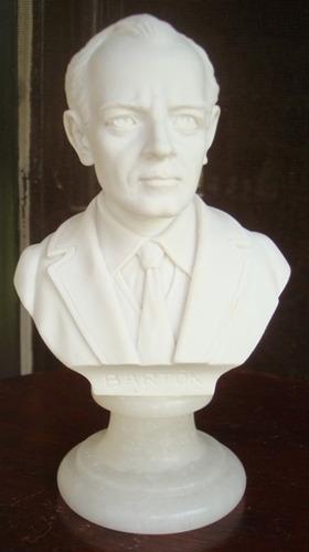 busto italiano del músico bartók en alabastro.