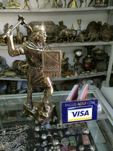 busto parado de pachacutec en bronce