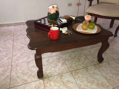 butacas y mesa de centro