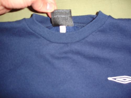 buzo azul umbro talle 12 en impecable estado