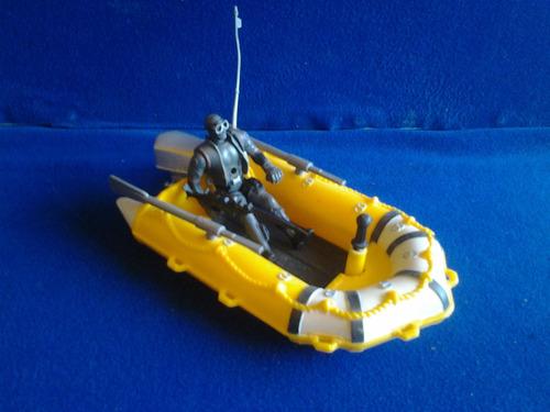 buzo con bote o lancha chap mei