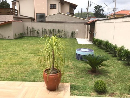 c-2358 belíssima casa no centro de guararema - sp - 2151