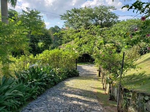 c-2413 bela casa rodeada de verde no condomínio alpes de guararema - sp - 2312