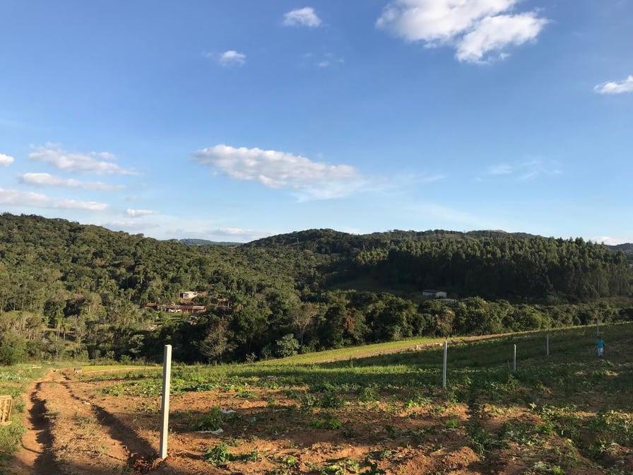 c. terreno 600m2 compre sua chacara parcelada