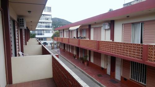 c166 apto credito - centro. amplio duplex 4 amb + patio