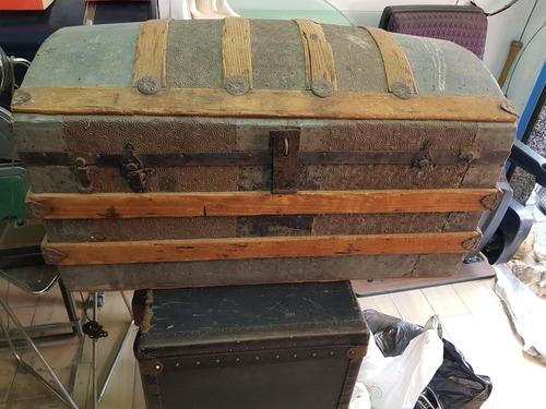 ca.1920 bual arcon madera y lamina forrado interior