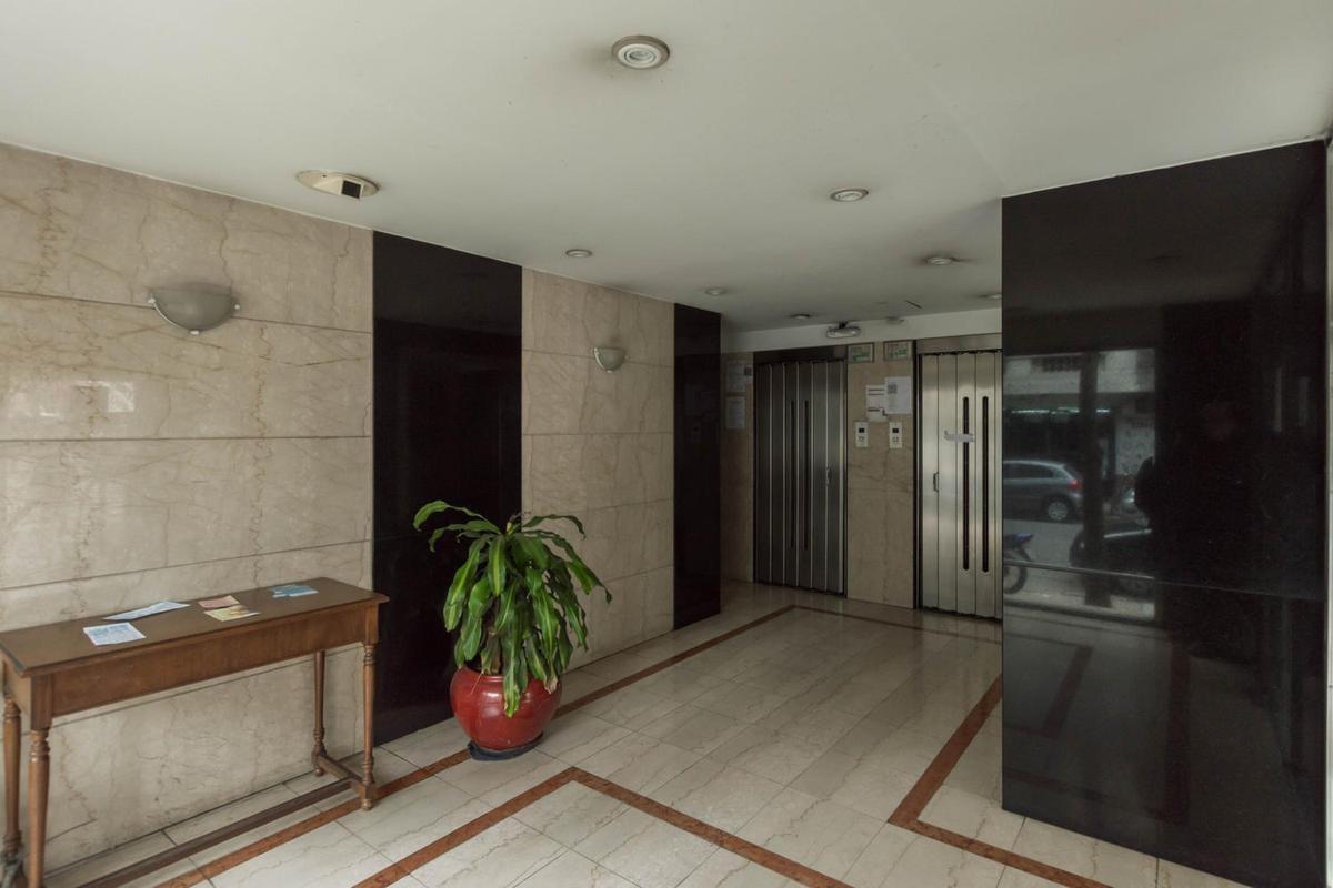 caballito 2 ambientes 93m2 balcón aterrazado con inquilino