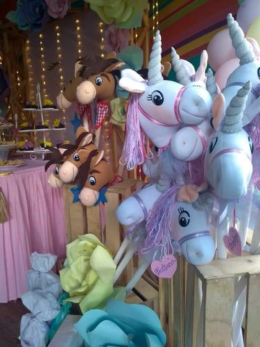 caballitos de palo unicornios 1