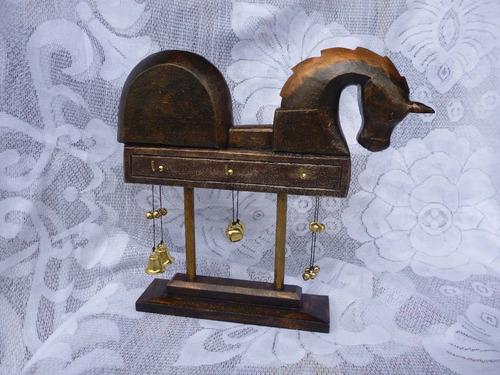 caballo cascabel