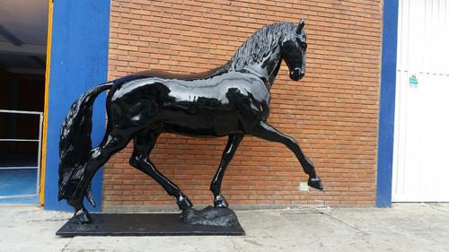 caballo en fibra de vidrio, para fincas o haciendas