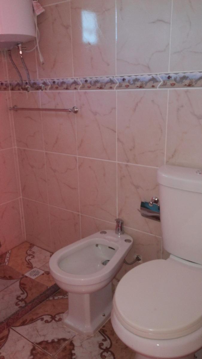 cabaña 2 domitorios en planta alta yabajo baño  cocina y etc
