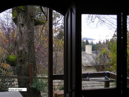 cabaña 4 pax en el bosque con vista al lago
