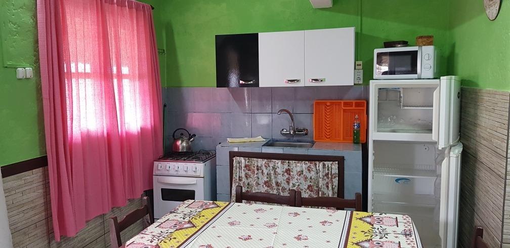 cabaña con 1 , o , 2 dormitorios