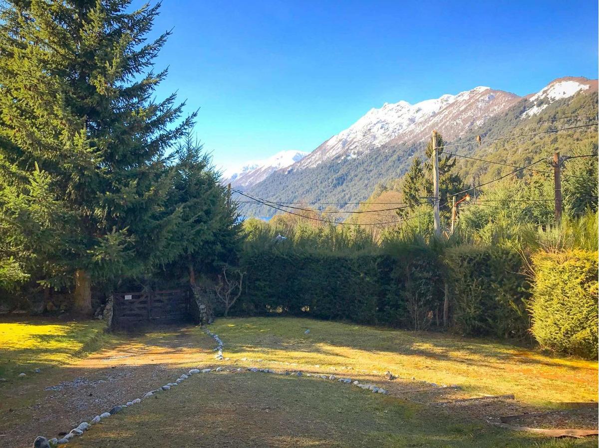 cabaña con bosque + vista cerros y lago villa la angostura