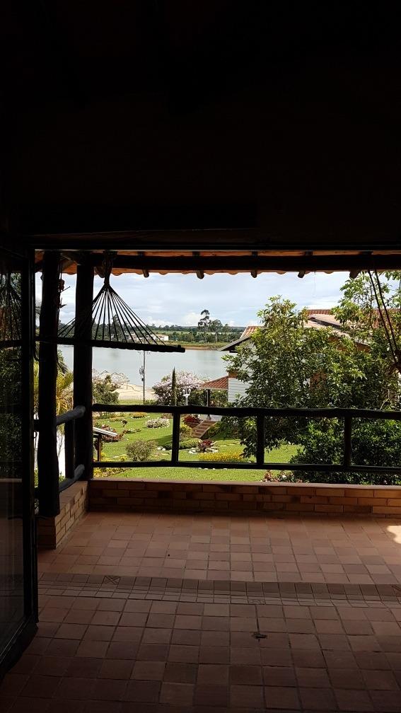 cabaña con hermosa vista al lago acuarela , jacuzzi, 3300mts