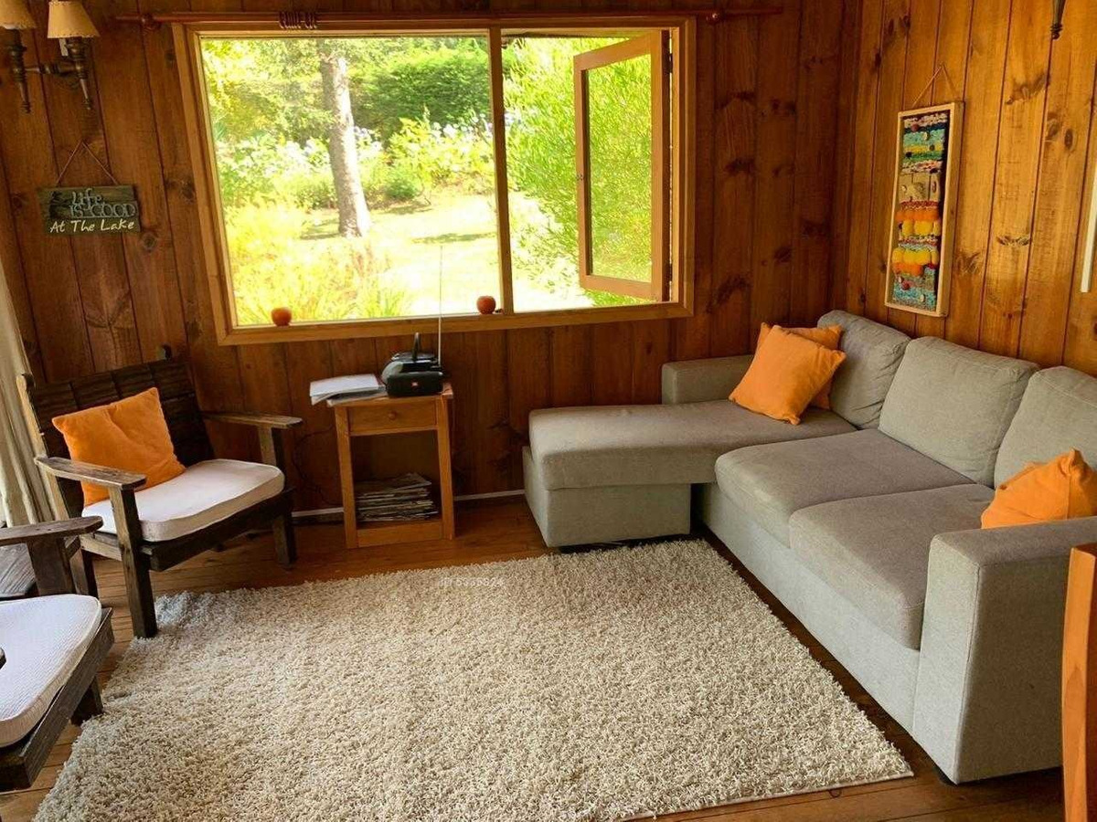 cabaña con quincho app 180 / 1100 m2. agua manantial / acceso directo playa molco. derecho boya.