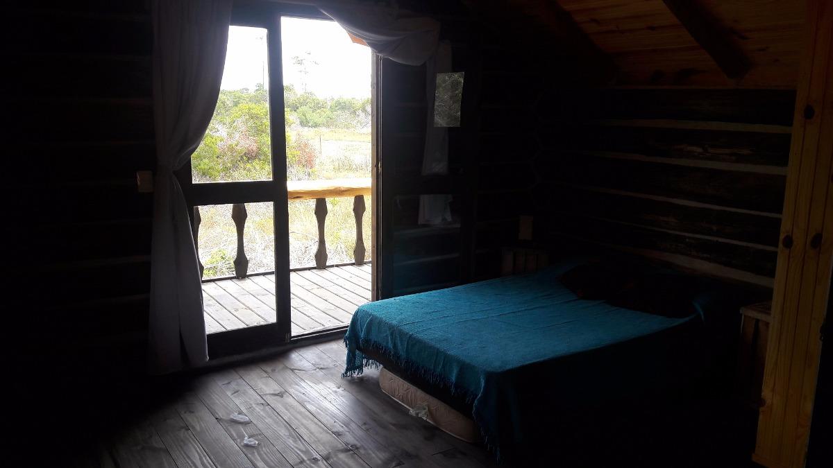 cabaña de troncos 1, en la paloma, playa serena