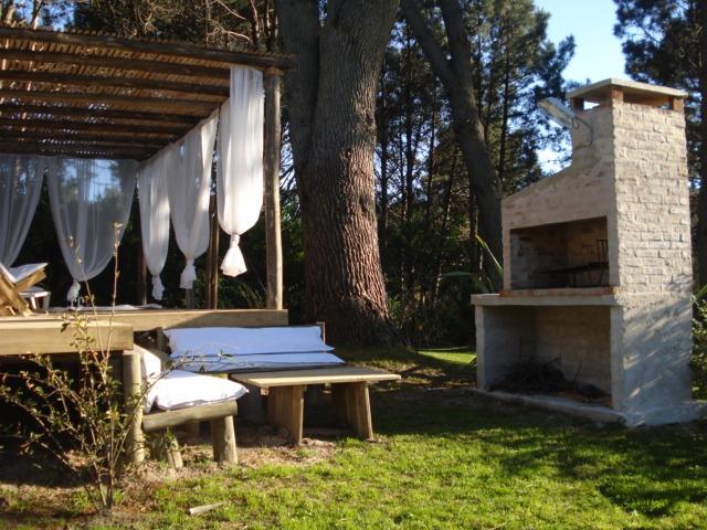 cabaña en el bosque de solanas