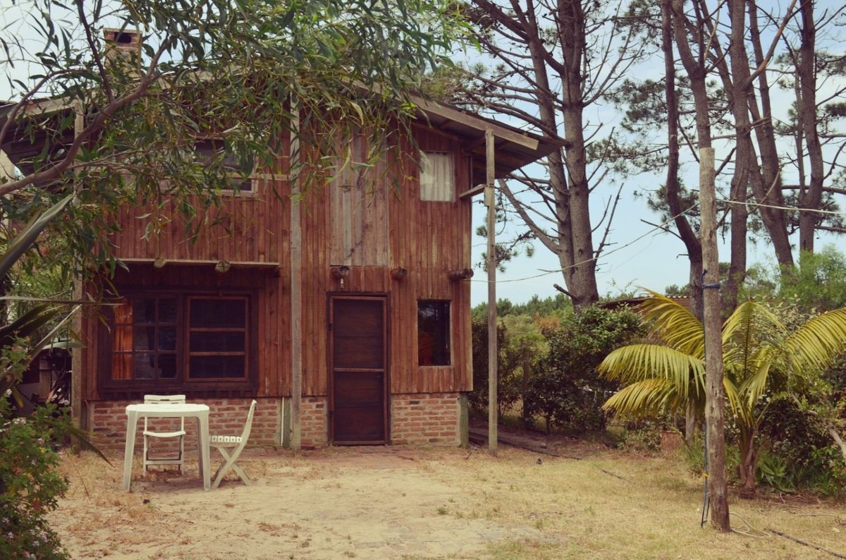 cabaña en punta del diablo zona playa grande 1.500 $ por día