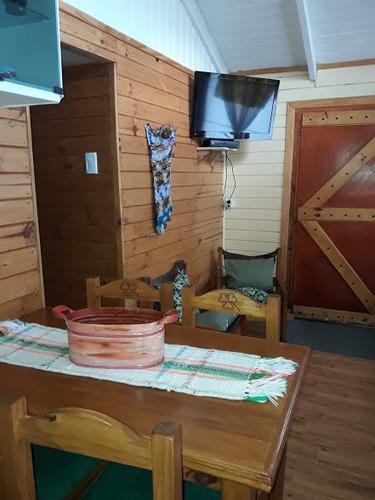 cabaña para cuatro personas -a 200 m.del km. 2189 izquierda