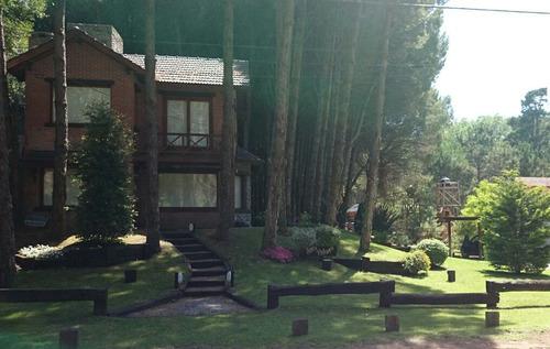 cabañas antupehuen, de 4 ambientes y 2 baños,amplio parque.