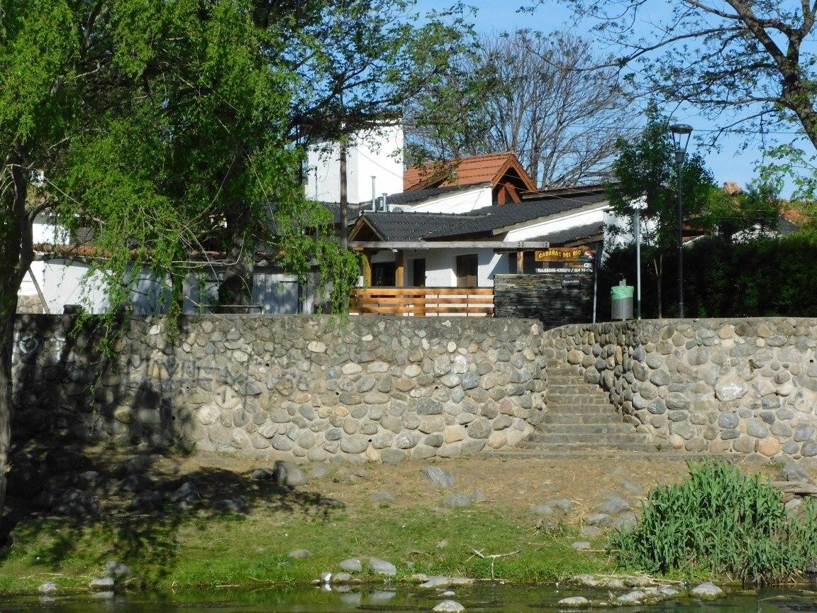 cabañas en santa rosa de calamuchita frente al rio