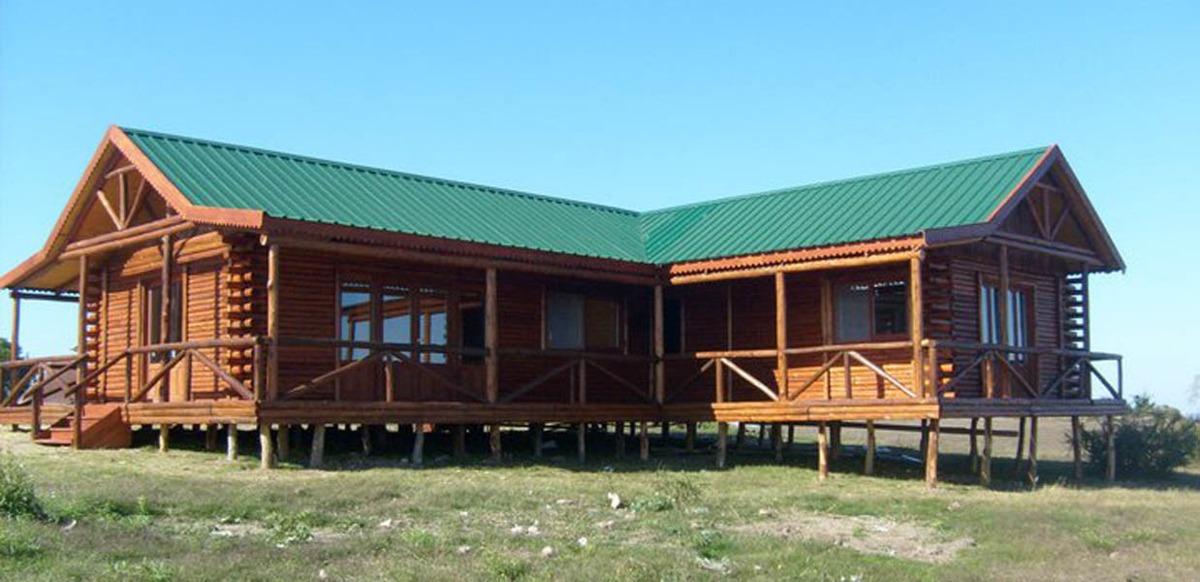 Caba as madera estilo ingl s frente 1 2 tronco con deck - Construccion de cabanas de madera ...