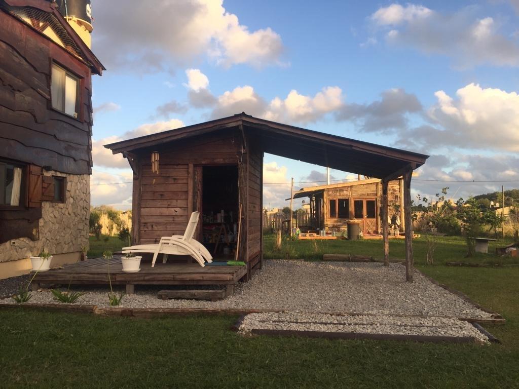 cabaña en parque lago