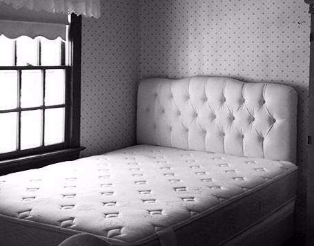 cabeceira painel com puff baú para cama casal 1.40m