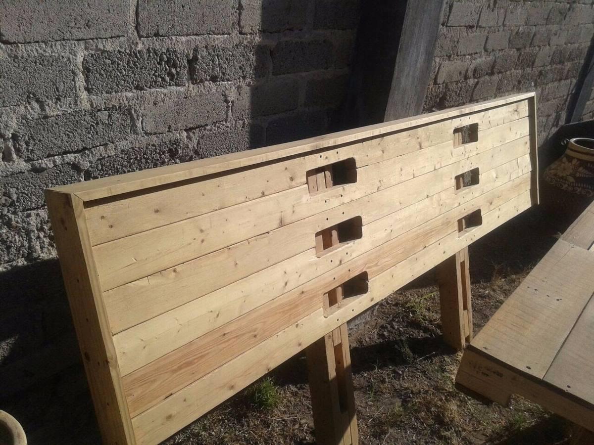 Cabecera de madera para cama king size de tarimas for Cama king size de madera