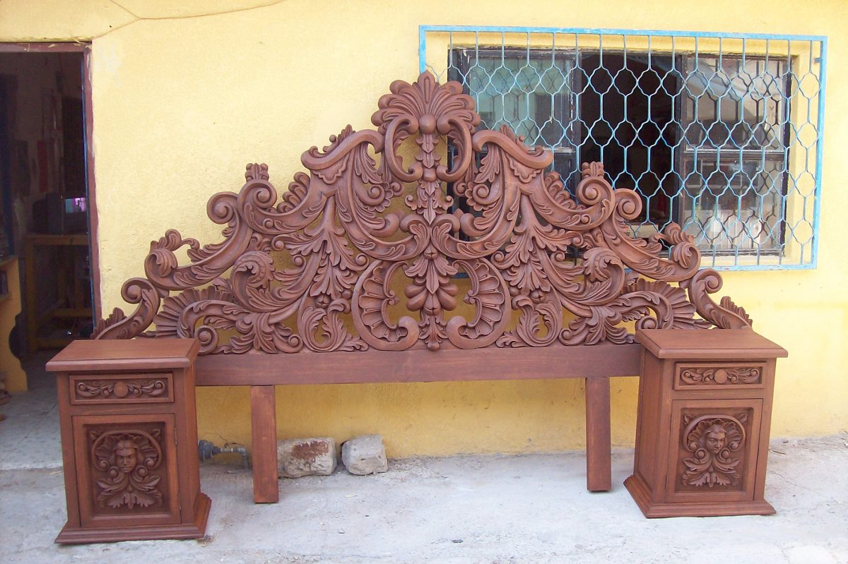 Cabecera tallada a mano somos fabricantes 9 for Muebles tallados en madera