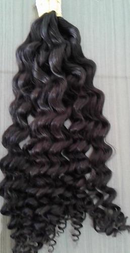 cabelo humano com cachos largos definidos 50cm 300 gramas.