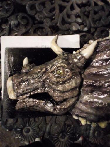 cabeza triceratops