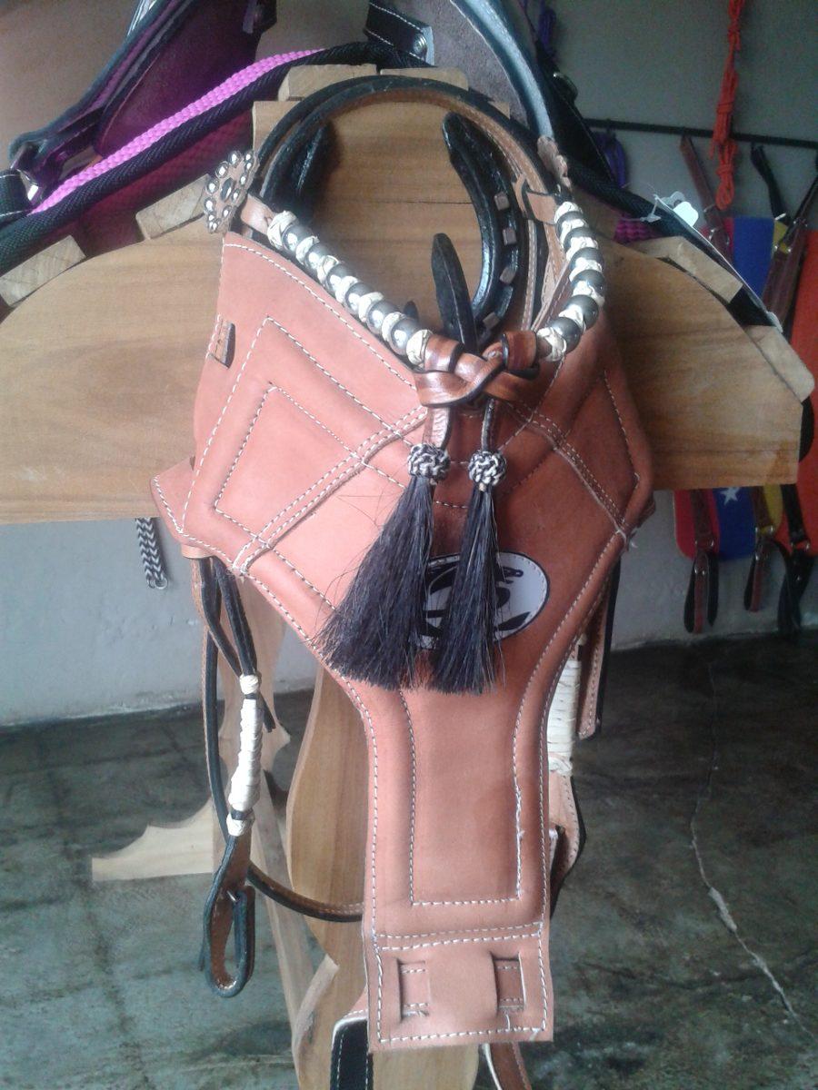 Cabezada y testera 100 cuero aperos para caballos de for Cabezadas para caballos