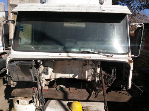 cabina scania 112 con trompa