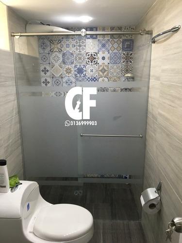 cabinas de baño en vidrio templado y aluminio