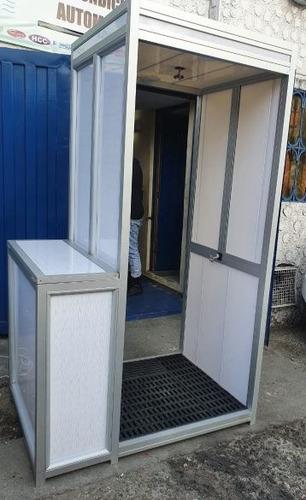 cabinas de desinfección con dispensador de gel y lavamanos