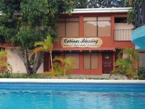cabinas en guanacaste, a 4 km de playas del coco