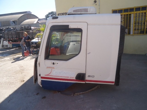 cabine volvo vm 260/310 - cor branca completa - sem painel