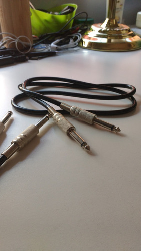 cable plug a plug (1/4 jack) 1mt (2 unidades disponibles)