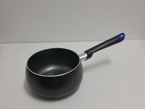 cacerola olla  de acero reforzado italiano, con cabo