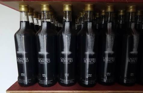cachaça do buracao destilada 670ml