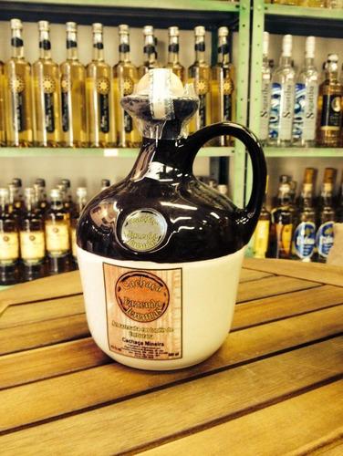 cachaca fazenda geremias garrafa de ceramica 970 ml
