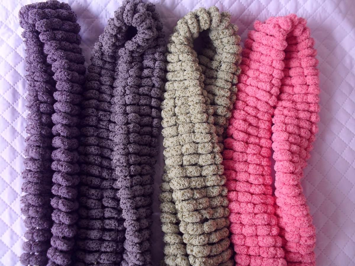 cachecol em lã pompom (todos a pronta entrega). Carregando zoom. b44924bd870