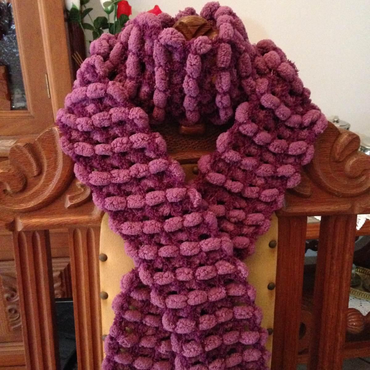 cachecol tricô com pompom rosa fúcsia artesanato feito a mão. Carregando  zoom. dea4b448ed5