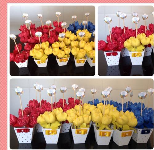 cachepot com  tulipas de  tecido  para festas