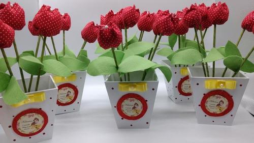 cachepot com tulipas vermelhas 10 unidades